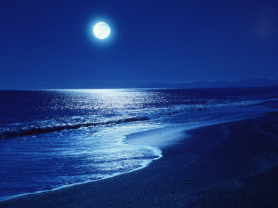 full-moon-over-the-sea